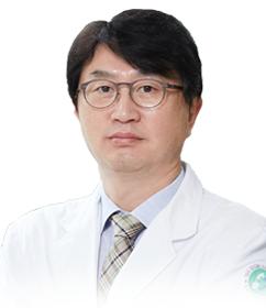 김원진 의무부원장 _ 중간 사이즈